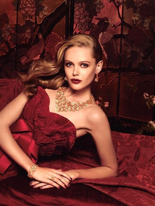 Frida Gustavsson/Chow Sang Jewelry: Engagement Dresses, Woman Fashion, Red, Ads Campaigns, Beautiful, Fashion Photography, Fridagustavsson, Frida Gustavsson, Burgundy