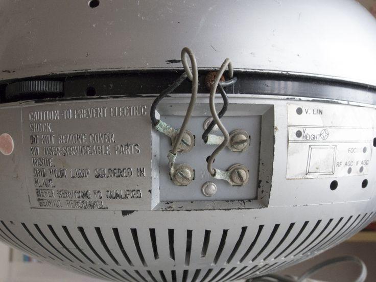 希少☆ナショナル Panasonic トランジスターTV TR-005 (TR-603A)スペースエイジ ミッドセンチュリー ブラウン管 デザイン家具_画像8