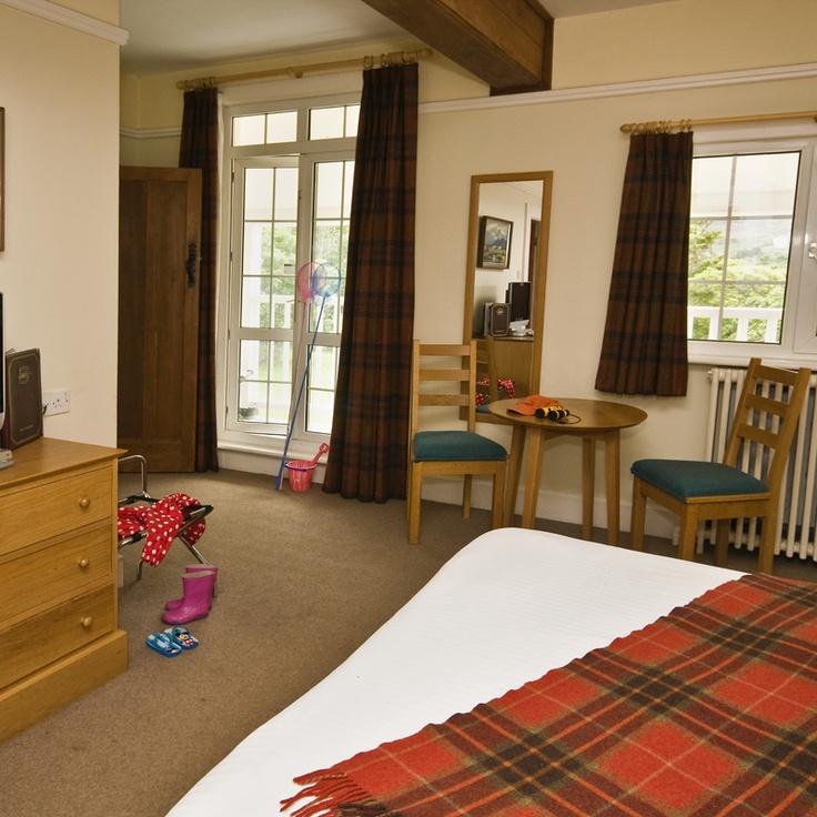 Renvyle House Hotel : Family Bedroom (2 bedrooms + 1 Bathroom)