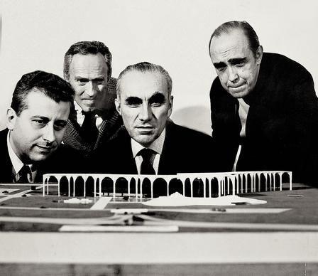 Oscar Niemeyer with Giorgio Calanca, Giorgio Mondadori and Luciano Pozzo.