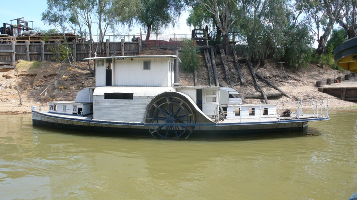 Victorian paddle steamer on the Murray at Echuca