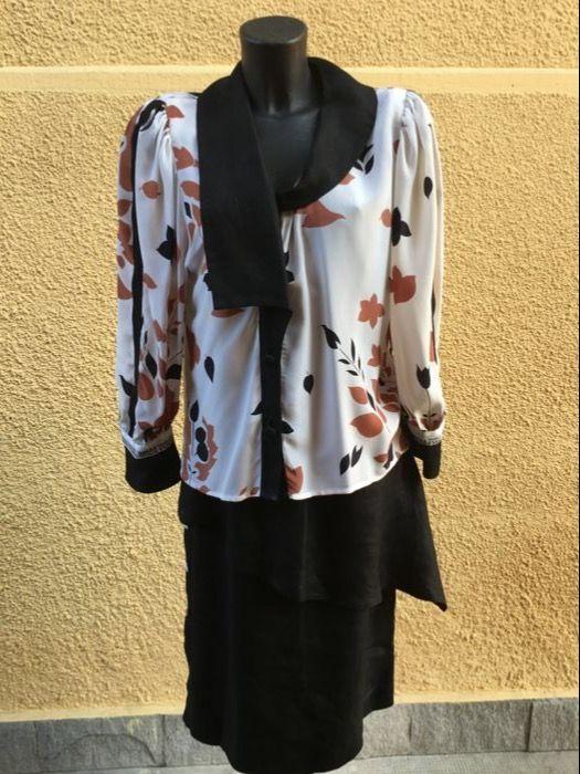 Gianfranco Ferrè - Shirt en rok - Women's outfit.  Gianfranco Ferrè pak bestaande uit een rok en shirt.Zwarte linnen rok met knoppen en rits - taille breedte: 35 cm - lengte: 71 cm.Zijde en linnen hemd met stof knoppen en gewatteerde schouders - schouderbreedte: 37.5 cm - hoogte vanaf de schouder: 55 cm - hoogte vanaf de oksel: 34 cm.In zeer goede staat.Verzending via koerier met tracking zowel in Italië als in het buitenland.  EUR 2.00  Meer informatie