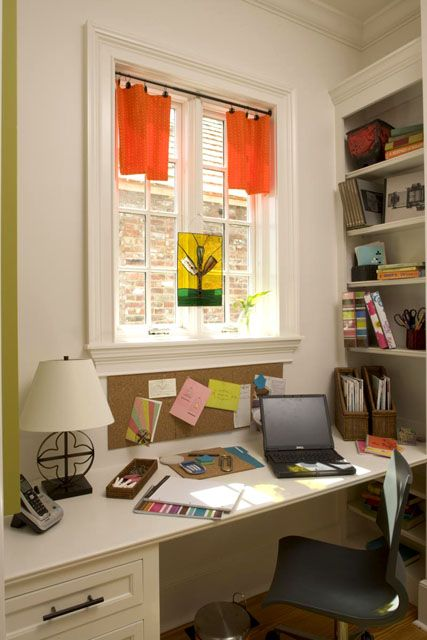 On a landing, in a loft or in a bedroom, this built-in desk is perfect for studying, art projects or paying bills.