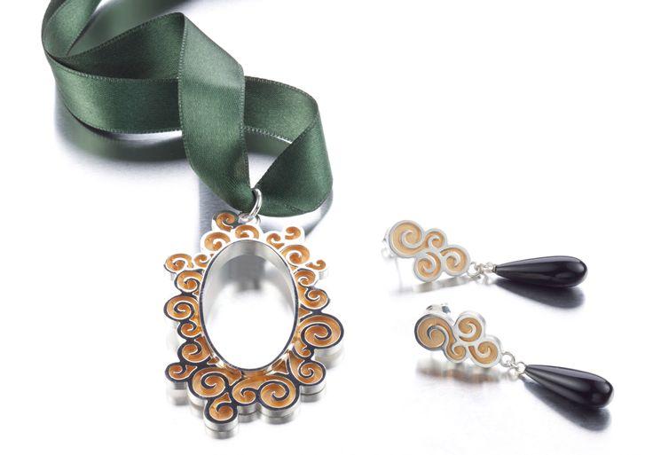 Carina Blomqvist, Peili earrings and necklace, http://www.carinablomqvist.fi/