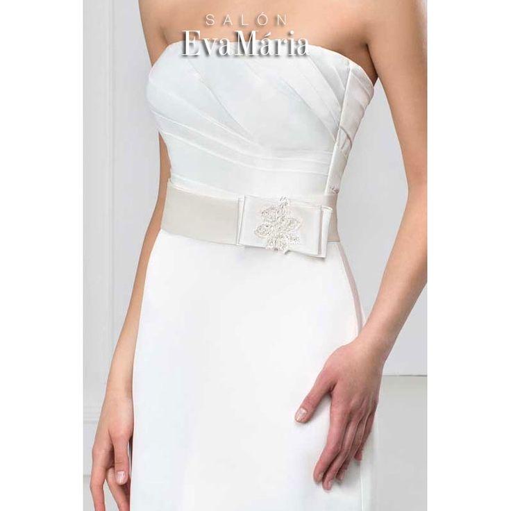 Svadobné šaty zdobené stuhou Vitalia