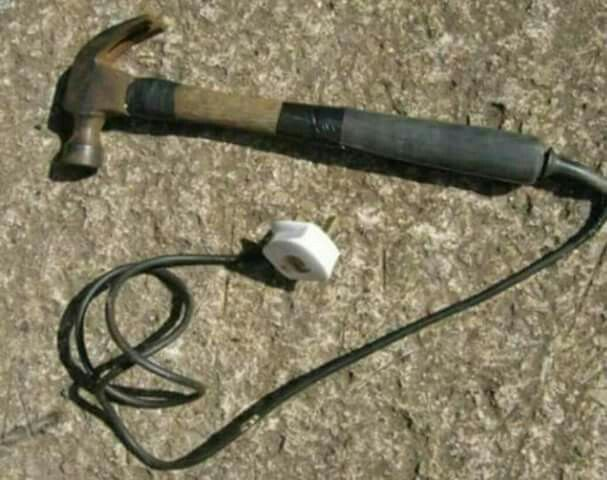 Electric Hammer 110 / 240 Volts