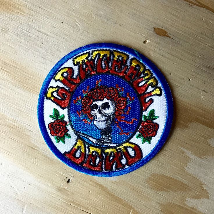 "JULY 4th SUPER-SALE // Grateful Dead ""Skull & Roses"" Hand Embroidered Patch - Vintage Patches by VinylLoversUnite on Etsy https://www.etsy.com/listing/514698142/july-4th-super-sale-grateful-dead-skull"