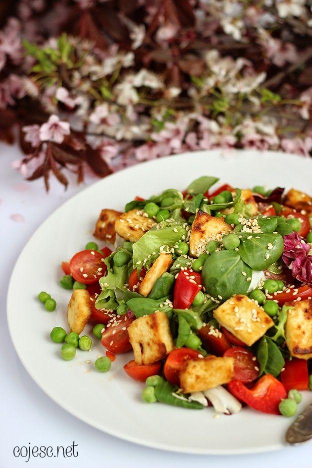 Lekka sałatka z pieczonym tofu