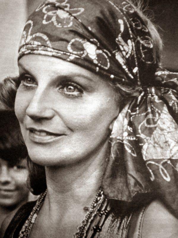 Tonia Carrero - nossa diva de olhos azuis - em 1970 na novela PIGMALIAO 70 da Tv Globo, foi Cristina Mello Guimaraes Cerdeira