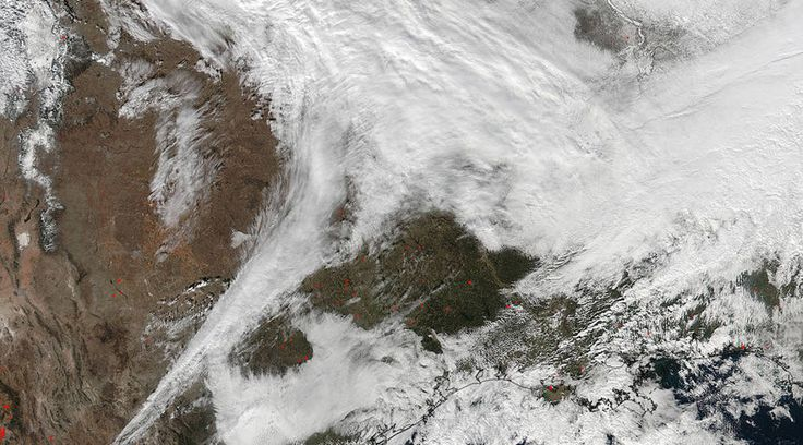 East Coast blizzard: 9 dead as New Jersey gov. declares state of emergency  http://pronewsonline.com  On Jan. 20 at 2:30 p.m. EST the VIIRS instrument aboard NASA-NOAA's Suomi NPP captured this image of the winter storm moving through the central U.S. © NASA Goddard Rapid Response