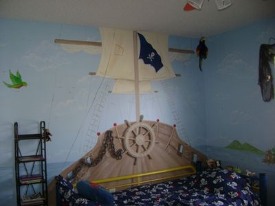 The 25+ Best Boys Pirate Bedroom Ideas On Pinterest | Pirate Bedroom, Kids Pirate  Room And Pirate Nursery Themes