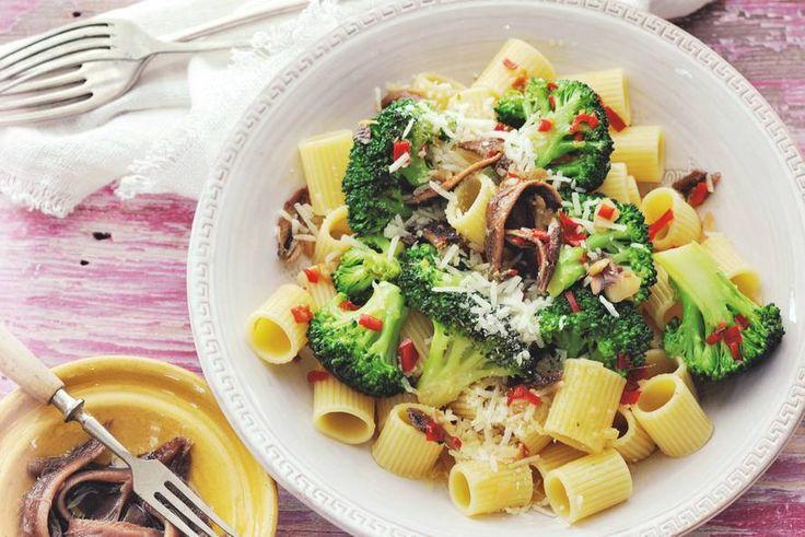 Mezzi rigatoni met broccoli