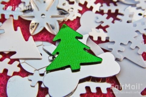 Photographed by Ankita Dinkar - India - Christmas - Red - Green - White - Christmas Tree - Holiday - FairMail - Fair Trade Photos - IAKD-0289