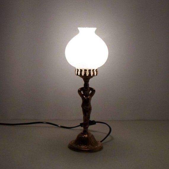 Jugendstil Tischleuchten Fensterlampe Figurenlampe Putty Und Floral Motiv Am Lampenfuss Massive Messing Montierung Antique Table Lamps Glass Lamp Table Lamp