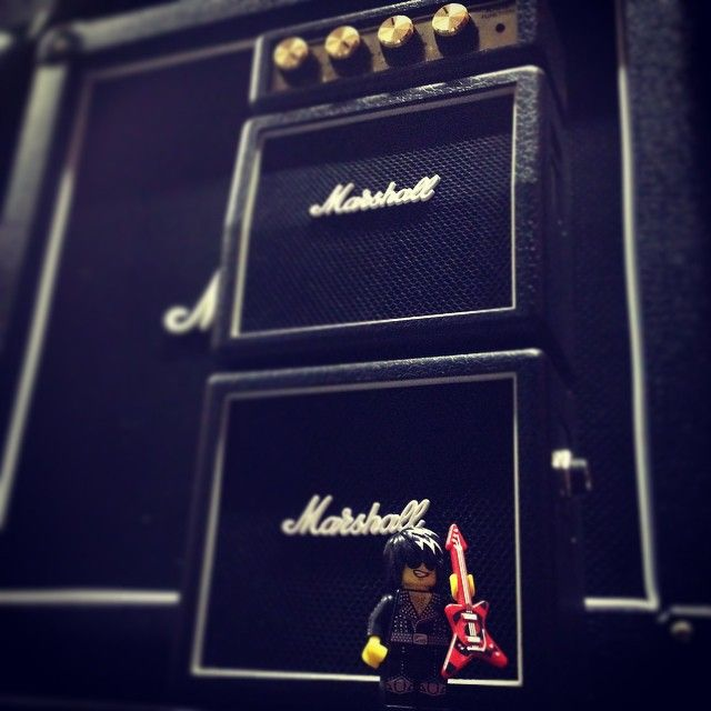 If I was a Lego man, I'd be this guy with a Marshall amplifier this big. \m/