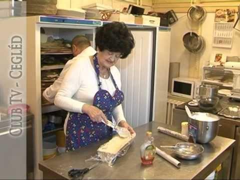 Karácsonyi gesztenyés sütemény Cica nénivel - YouTube