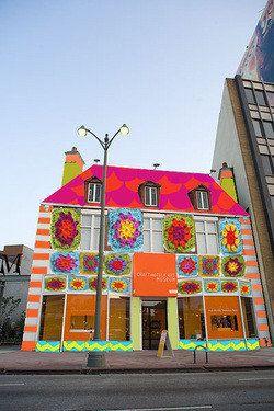 Wow, a fantastic work of art! Yarn Bombing Los Angeles