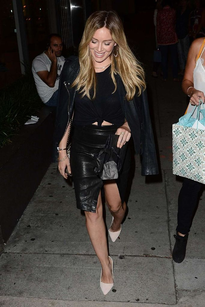 Hilary Duff out to dinner in West Hollywood : Global Celebrtities (F) FunFunky.com