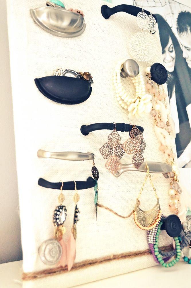 Drawer pulls jewelry organiser