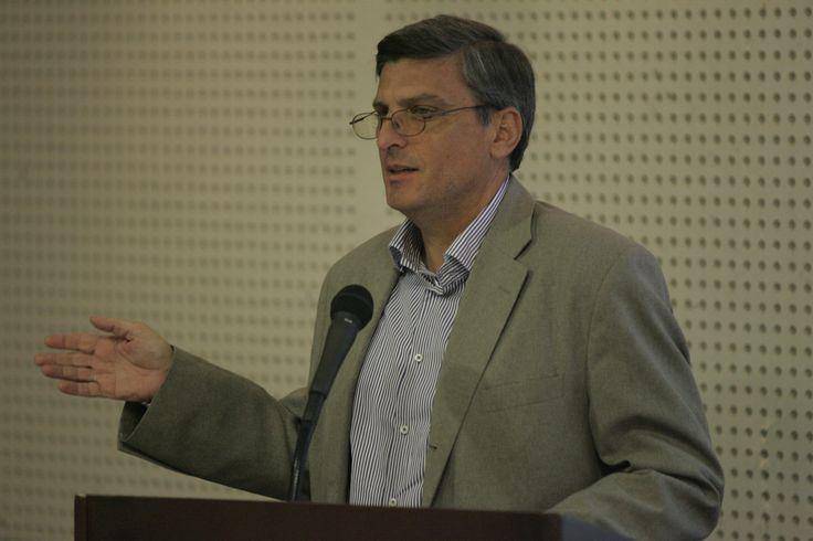 Ο απολαυστικός Νίκος Μέλιος παρουσιάζει τις απόψεις του περί εργασιών, δραστηριοτήτων και τελικών εξετάσεων.