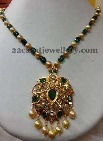 Jewellery Designs: Emerald Beads Set with Pachhi Locket