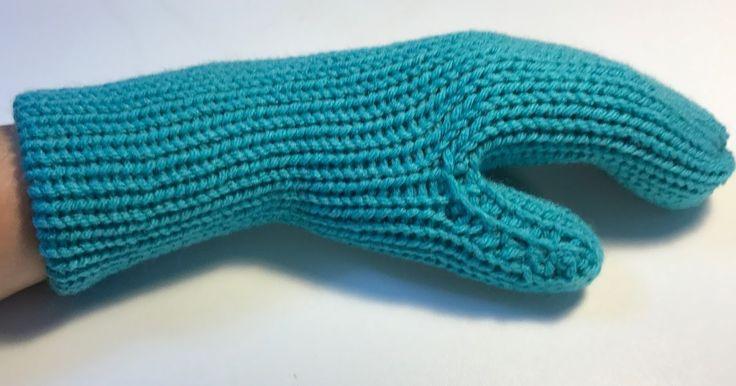 I followed Suzy Notting AddiKingLoomersandKnits  mitten pattern; Addi Express Professional Mittens Tutorial  and I was inspired to creat...