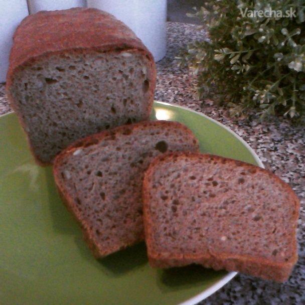 Kváskový pšenično-ražný celozrnný chlieb (fotorecept)