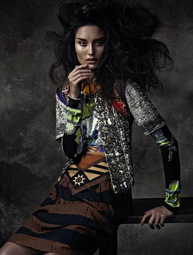 Vogue Бразилия редакции Октябрь 2012 - Marcelia Freesz by Zee Nunes