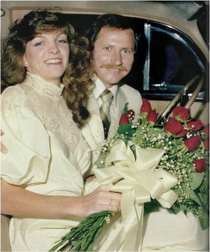 Teresa Houston and Dale Earnhardt | Not long after Dale Jr. was born, Dale Sr. and Brenda divorced. Earnhardt then married his last wife, Teresa Houston (Tommy Houston's niece) in 1982, who gave birth to their daughter, Taylor Nicole in 1988.