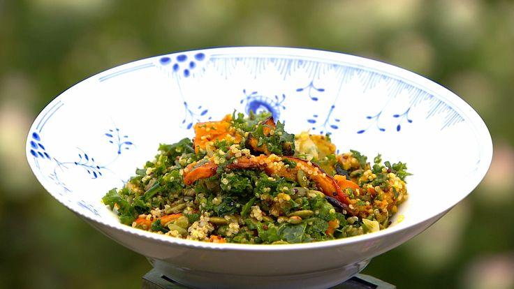 Lun græskarsalat med grønkål og quinoa