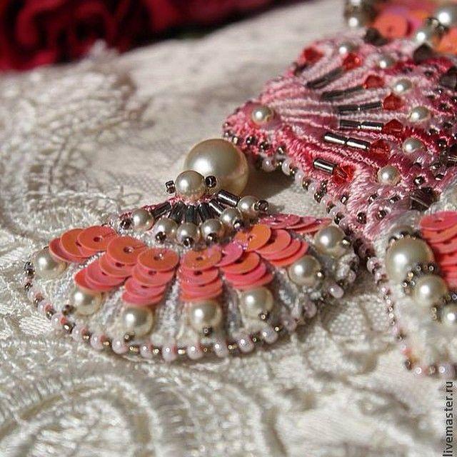 #Brosche #besser #collection #Swarovski #accessories @inga.marita #inga_marita #брошь #у#авторскаяручнаяработа #аксессуары #вышивка #веер #работыизвестныхмастеров