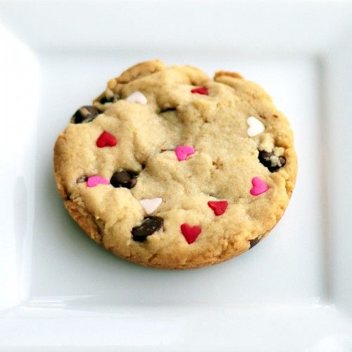 chocolate-chip-hearts-cookie--500x500