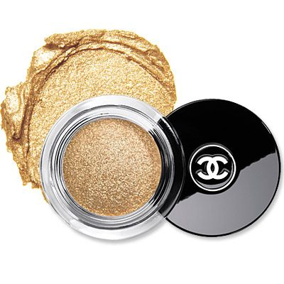 Chanel Illusion D'Ombre in Apparence - add this versatile shade to the inner corners of your lids for a glistening boost to your peepers!