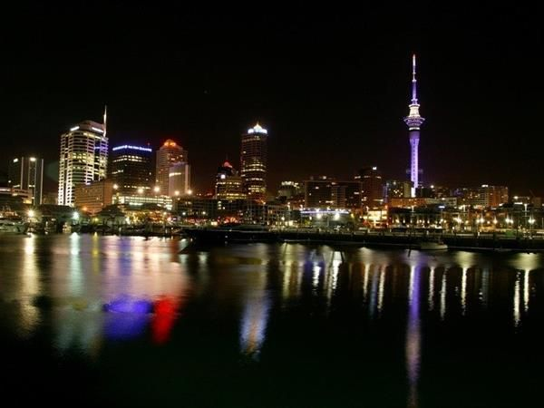 AUCKLAND NIGHT TIME - PRIVATE TOUR.  Covering 3 Hours of hosted sightseeing, we help utilise our guests own night vision to unveil the best of Auckland during the evening or at night. TIME Unlimited Tours.