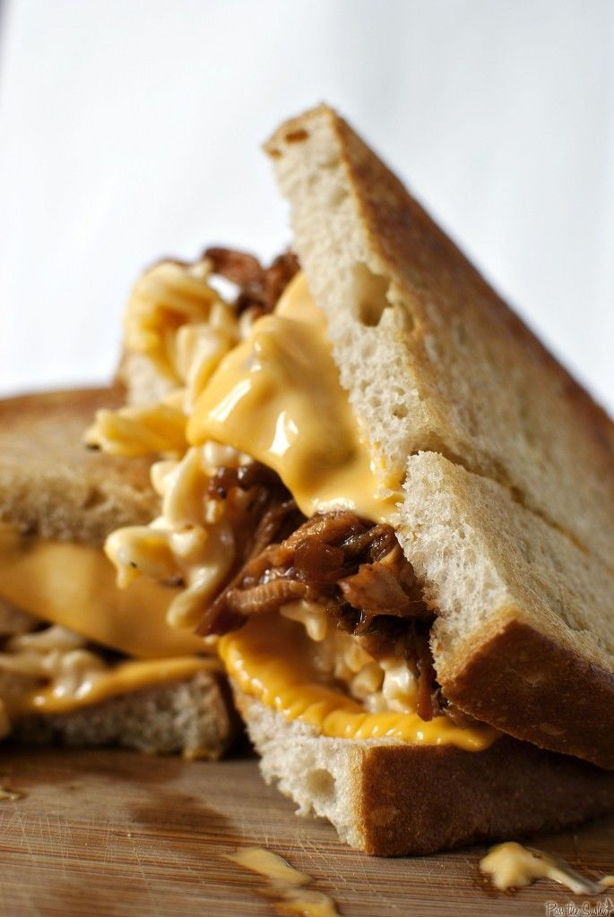 """""""Manwich"""" - Grilled Mac & Cheese with Pulled Pork"""