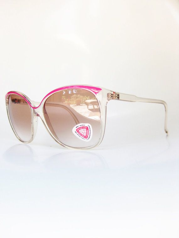 Vintage Sunwear Magenta Pink 1970s Sunglasses Ladies Womens Sunnies Neon Oversized Huge Indie Hipster Avant Garde 70s Coachella Magenta