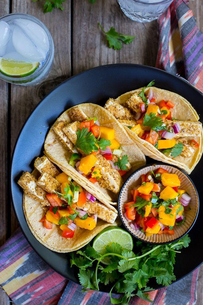 Als je toe bent aan wat variatie, dan komt deze lijst met hemelse tacorecepten als geroepen! 1. BBQ taco's met tomatillo sesamsaus.  2. Vegetarische taco's met crispy avocado. 3. Vistaco's met paprika en ananassaus. 4. Zomerse tacosalade. 5. Griekse taco's met kalkoen en feta. 6. Vegetarische tofutaco's met mangosalsa. 7. Garnalentaco's met citroengras. 8. […]