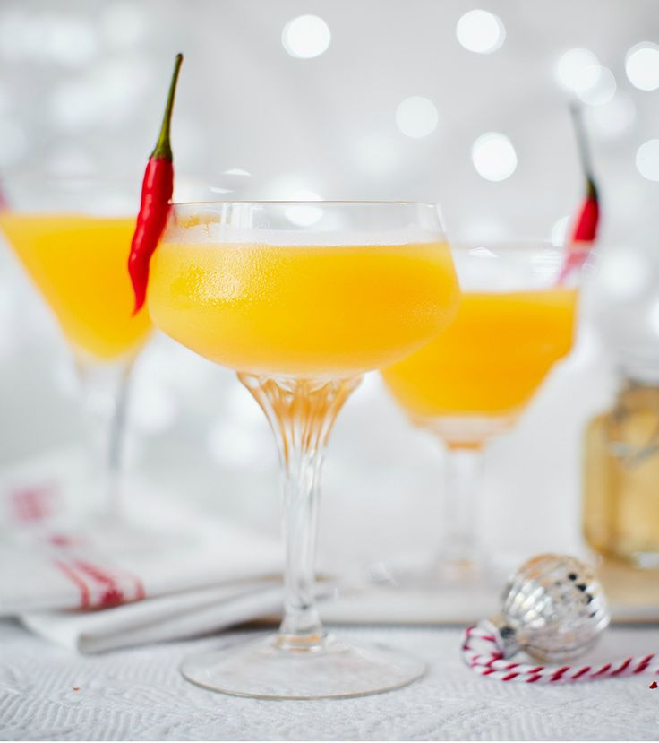 Transform your Christmas party into a Mexican fiesta with this fiery chilli and mango margarita | Tesco
