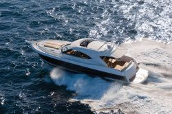 New 2013 - Riviera Boats - 5000 Sport Yacht with Zeus