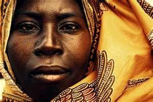 Regala un abito a una donna in difficoltà per ridarle un sorriso http://lifestyle.tiscali.it/upstyle/feeds/14/04/29/t_65_20140429_news_01291.html?news