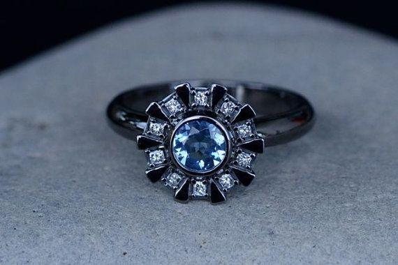 Réacteur arc inspiré Engagement Ring 14K White Gold, noirci, Aquamarine & diamants taille princesse, Iron Man, sur commande, fabriqué sur commande
