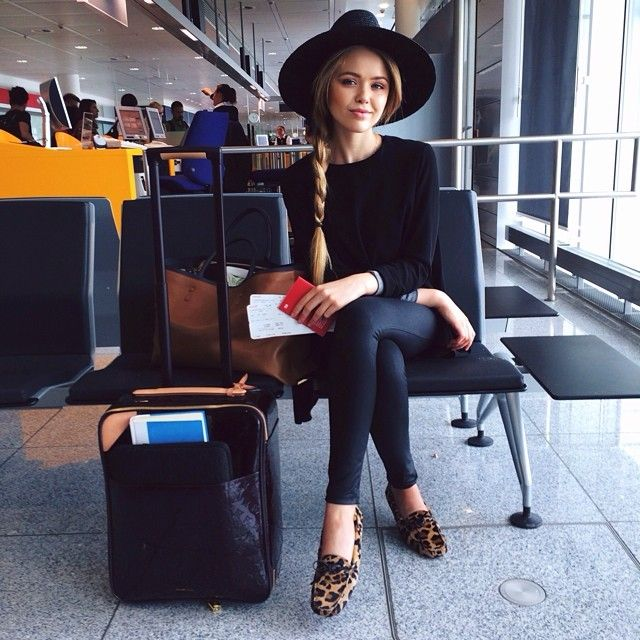 Kristina Bazan - my favorite airport outfit: all black / travel style