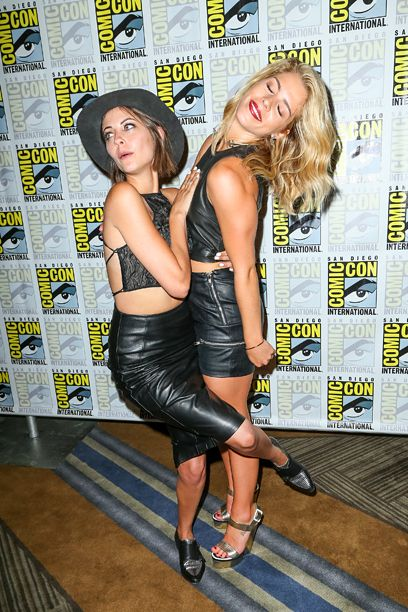 Comic-Con 2015, Day 3: Celebs make the rounds   Willa Holland and Emily Bett Rickards   EW.com