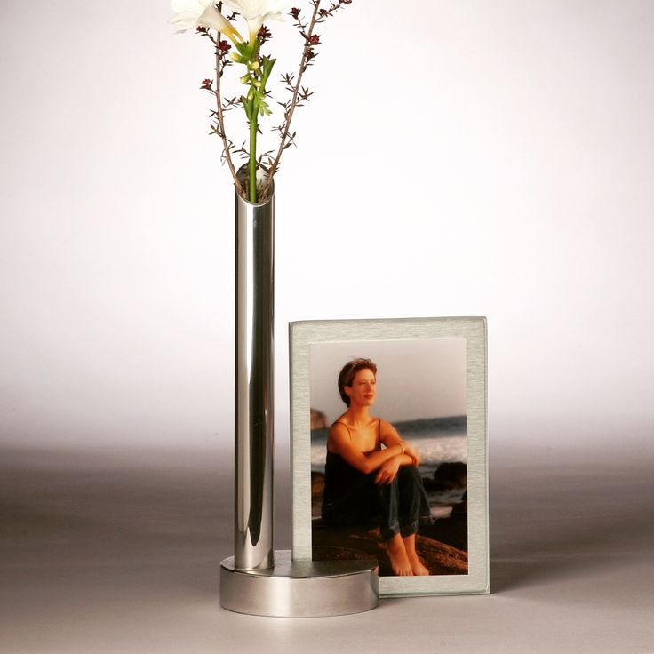 Fusion- bud vase/ picture frame, machined, polished aluminum, several finishes available, picture can be displayed vertical or horizontal.#VALENTINES DAY  #MOTHER'S DAY, #WEDDING,# BRIDAL SHOWER #BABY SHOWER GIFT #GRADUATION GIFT#design#interiordesign#flower#picture#photography#display#holiday#gift#unique#bespoke