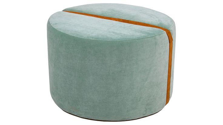 Mintgrön Baggen pall. Rund, mint, grön, skinn, sammet, fotpall, puff, soffbord, möbler, möbel, inredning, vardagsrum, sovrum, hall.