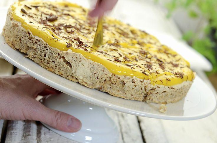 Suksesskake med fantastisk god gul glasur