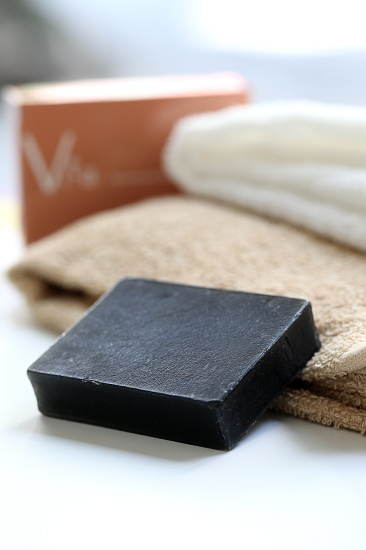 """Co., Ltd.Matsuyo has been given the business sector manufacture and sale of men's kimono lining in 180 years in business. From that thought, """"I want to tell more familiar to customers in the form of the charm of silk products"""" was created a """"cleansing soap VITA"""". 松与株式会社 VITA洗顔石鹸 大阪 #beauty #cosme beauty cosme"""