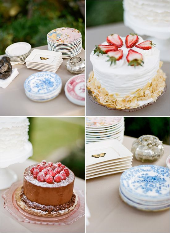 small wedding cakes...perfect for the informal wedding?