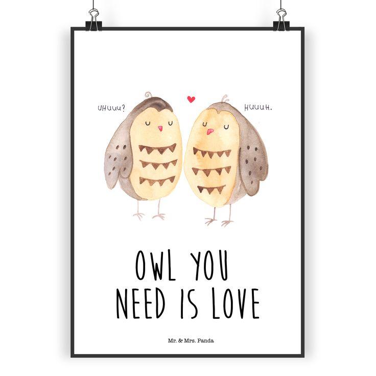 """Poster DIN A5 Eule Liebe aus Papier 160 Gramm  weiß - Das Original von Mr. & Mrs. Panda.  Jedes wunderschöne Poster aus dem Hause Mr. & Mrs. Panda ist mit Liebe handgezeichnet und entworfen. Wir liefern es sicher und schnell im Format DIN A5 zu dir nach Hause. Die Größe ist 148 x 210 mm.    Über unser Motiv Eule Liebe  Ganz nach dem Motto """"Owl you need is love"""". Die wunderbare liebes Eule von Mr. & Mrs. Panda.    Verwendete Materialien  Es handelt sich um sehr hochwertiges und edles Papier…"""