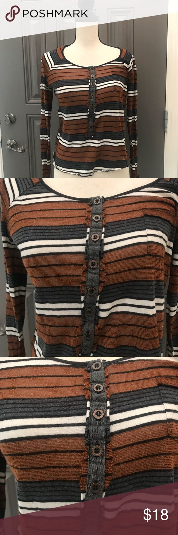 "FP Blouse WE THE FREE Scoop Neck Top Striped Small 1️⃣8️⃣ 100117 ⭐️️Women's Small  ⭐️️ lightweight lightweight Scoop Neck  ⭐️t-Shirt  ⭐️Brown Gray Black  Approximate measurements laying flat Bust 18.5"" length 20"" 🚫trades holds modeling please Free People Tops Tees - Long Sleeve"